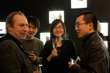 Sun Xun with students